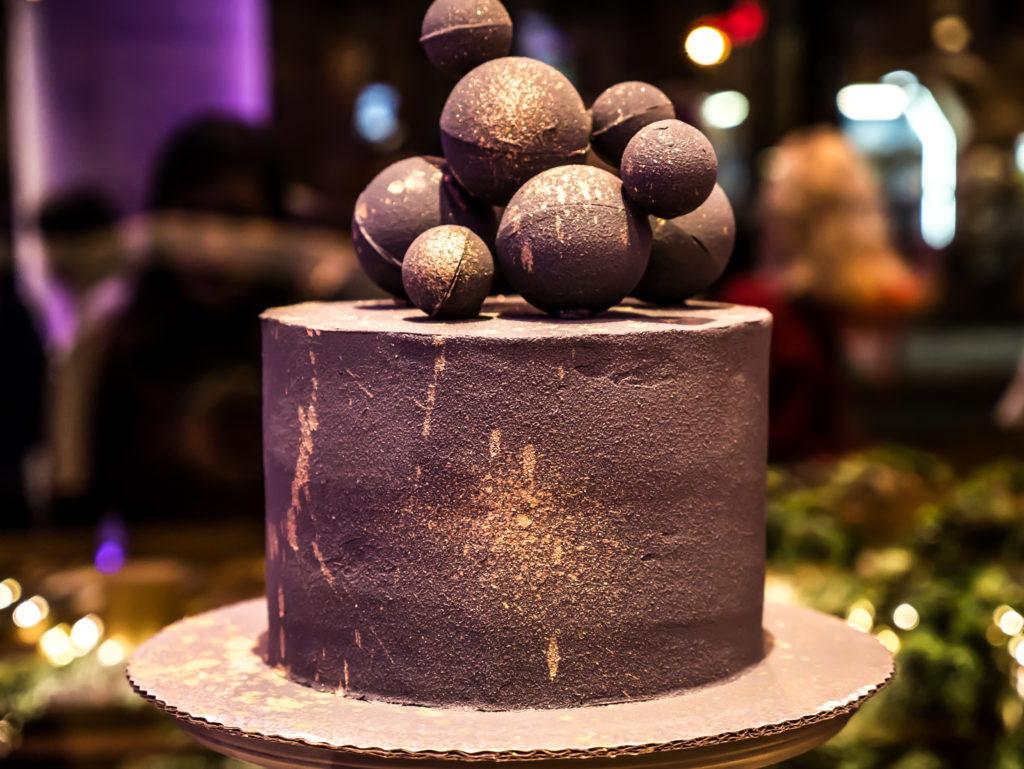 Velour cake studio