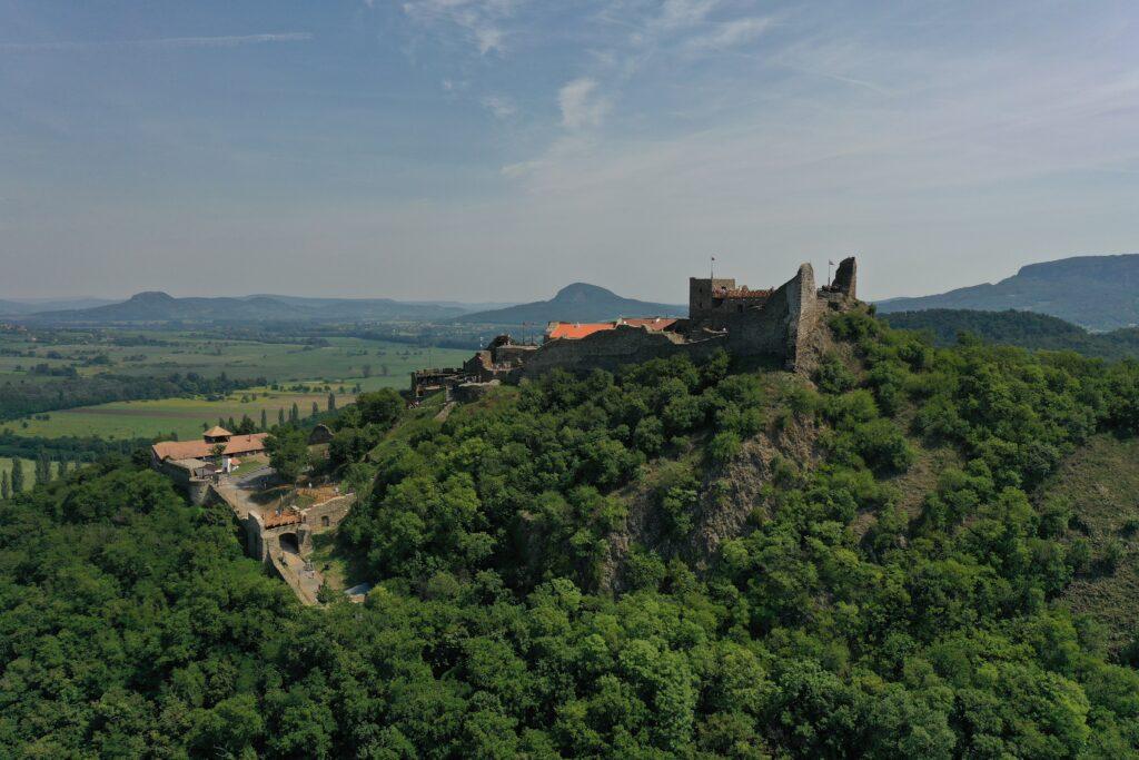 Balaton zamek szigliget